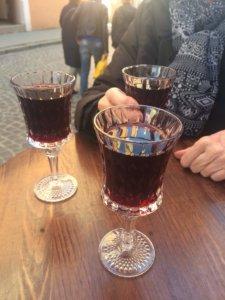 Lwów, zwiedzanie, miejsca, Ukraina, turystyka, wycieczka, Stare Miasto, Rynek, wiśnia, wiśniówka, bar, alkohol, restauracja