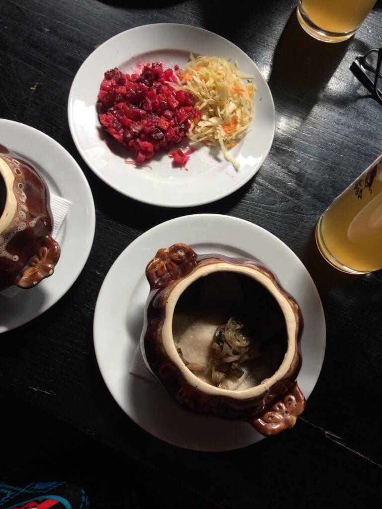 Lwów, miasto, Ukraina, zwiedzanie, wakacje, weekend, podróże, restauracje, klimat, odpoczynek, piwo, jedzenie, budynek, sala, gastronomia, piwo, para, alkohol, starograd, browar