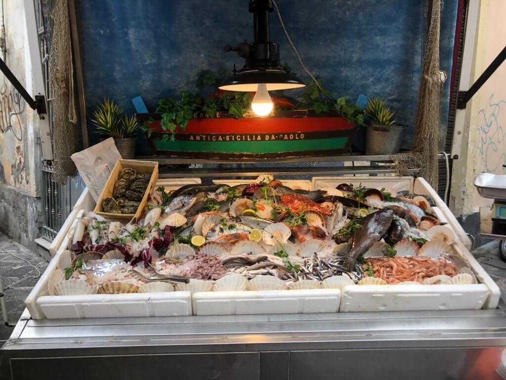 Świeże owoce morza - wystawa z restauracji
